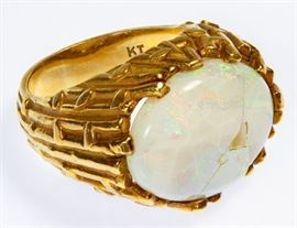 18k Gold and Opal Ring