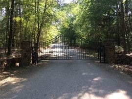 Gated community,  come out and enjoy the view and the drive.