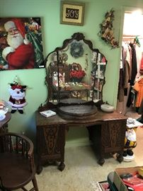 Depression era - Deco style Dresser/Vanity, (has matching chest and bed)