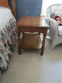 SIDE TABLE BY BASSETT