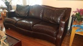 Thomasville Fine Leather sofa Pristine condition