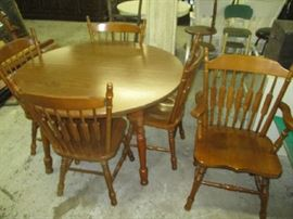 Dinette set with 5 chairs