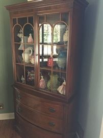 China hutch with 3 drawers