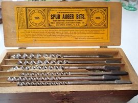 RUSSELL JENNINGS / SUPR AUGER BITS, NEW IN THE ORIGINAL WOOD BOX.
