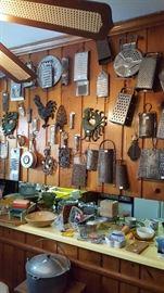 Walls of antique utensils