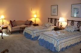 Pair of mahogany twin beds (headboards only with pair of frames)