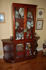Cabinet with two side shelves