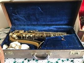 Baby Saxophone has patent date of 1915 no maker name