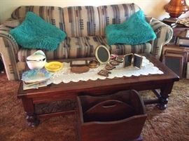 Sofa with matching love seat, coffee table with 2 matching end tables