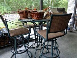 pub type patio table