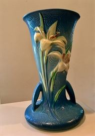 1922 vase