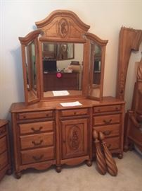 Queen 4 poster bed with mattress/box springs large mirror chest of Drawers and matching night stand