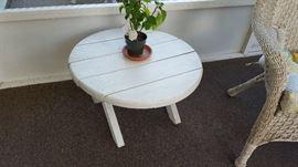 White patio end table