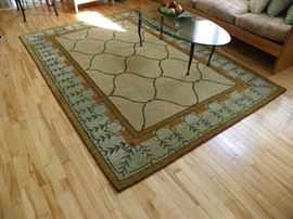 Pompo Rug. 100% wool pile.