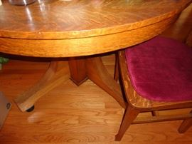beautiful round pedestal wood dining table with chairs