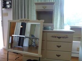 Bedroom Furniture  http://www.ctonlineauctions.com/detail.asp?id=629365