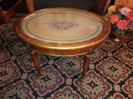 antique end table/coffee table