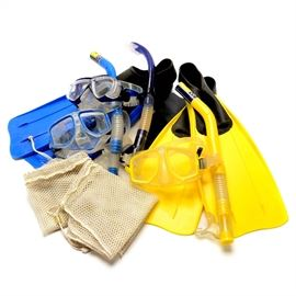 Snorkeling Gear: A group of snorkeling gear. The group includes two pairs of flippers marked size M 7-8/40-41 with one pair in blue and the other in yellow. Also included are two Splash Club tempered glass masks and breathing tubes and one Splendive IV Tusa Platina Hyperdry Evolution III mask and breathing tube.