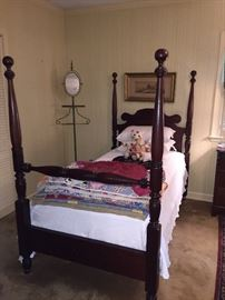 Pair of mahogany twin beds, excellent condition