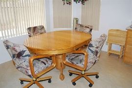 OAK DINING TABLE WITH 6 CHAIRS, TV TRAYS