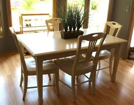 Kitchen table and chairs - there are two additional armed chairs not shown