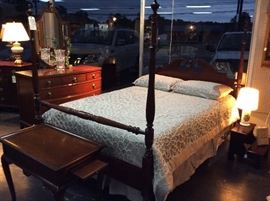 Antique Ethan Allen Full Sized Poster Bed and Dresser w/ Mirror (c. 1960's)