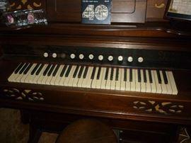 1910 Farrand & Votey Pump Organ - Detroit Mich. In family since new.