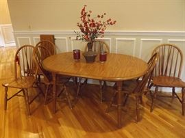 Heritage House Dining Set