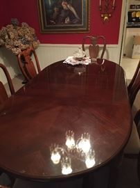 French prov table and chairs....no scratches, perfect condition