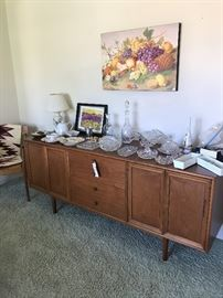 Crystal and American Brilliant cut glass - Native American Rug Rosenthal mid century vase, Kipp Stewaert for Drexel Declararion Buffet