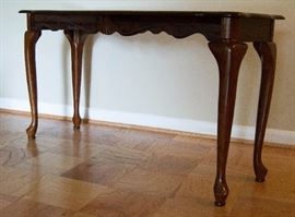 Sofa Table  http://www.ctonlineauctions.com/detail.asp?id=629728