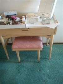American of Martinsville vanity and bench