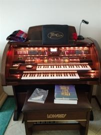 Fabulous 8-10 yr. Old Lowrey organ.