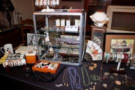 Vintage Costume Jewelry & Sterling Silver Jewelry