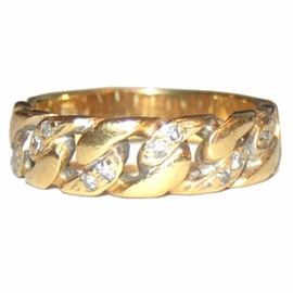 18K Gold and Diamond Chain Link Ring: An 18K yellow gold and diamond chain link ring.