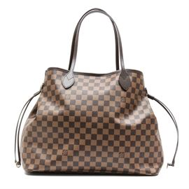 """Louis Vuitton Damier Ebene Canvas Neverfull GM: A Neverfull GM in Damier Ebene Canvas by Louis Vuitton. This designer handbag features a coated canvas exterior with rich brown leather trim and double top straps. It has an open top with cinching leather cords and gold tone hardware. The bag's interior is lined in a striped red textile and features a coordinating removable clutch. The serial number, located to interior of clutch, reads """"SD3186."""" Included is a designer dust bag."""