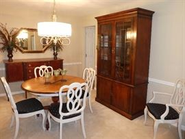 Thomasville dining room furniture, china cabinet, mirror, and home decor