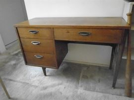 Midcentury Desk . Great !!!