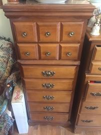 Gentlemens dresser