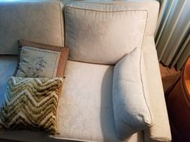 High quality white embroidered couch. Manufacturer unknown. Very good condition. Asking 89.00
