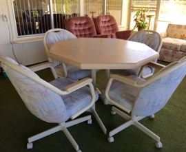 Chromcraft dinette, includes Table, 4 Arm Chairs on Castors + Leaf