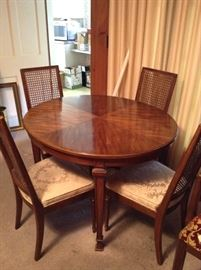 Thomasville Dinette w/leaf & 4 Chairs