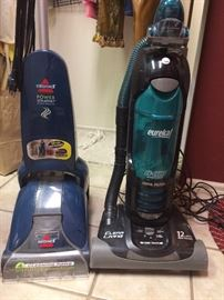 Steam cleaner and vaccuum