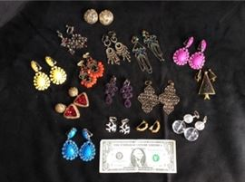 Lot 004 Ear Candy C