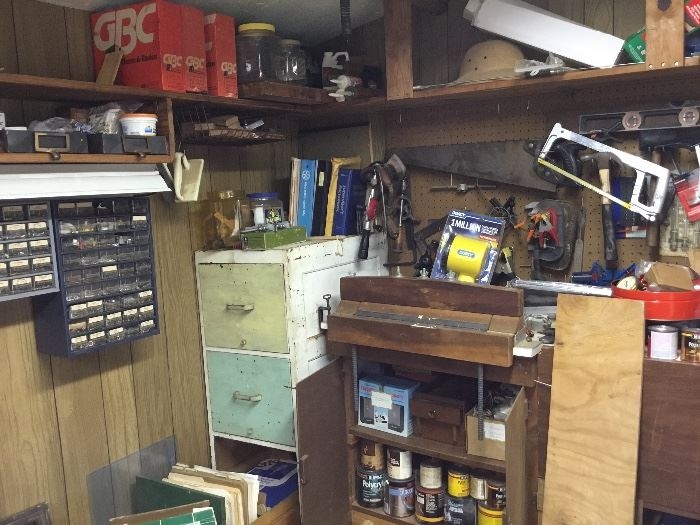 Tool shed - its full too!