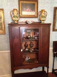 Antique display/china cabinet