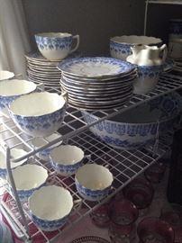 Slightly scalloped blue & white china (incomplete set)
