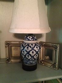 Extra small lamp - perfect for a bookshelf