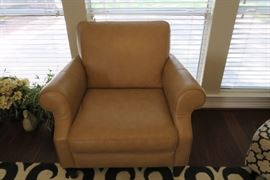 Natuzzi Editions club chair - like new condition