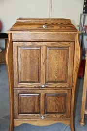 Antique Victrola case. That can be used as cabinet